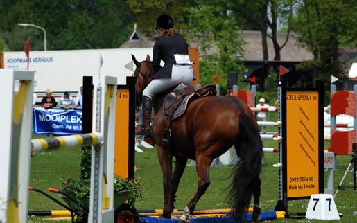 Jennie Zoer en Robert Roordink beoordelen B-springen