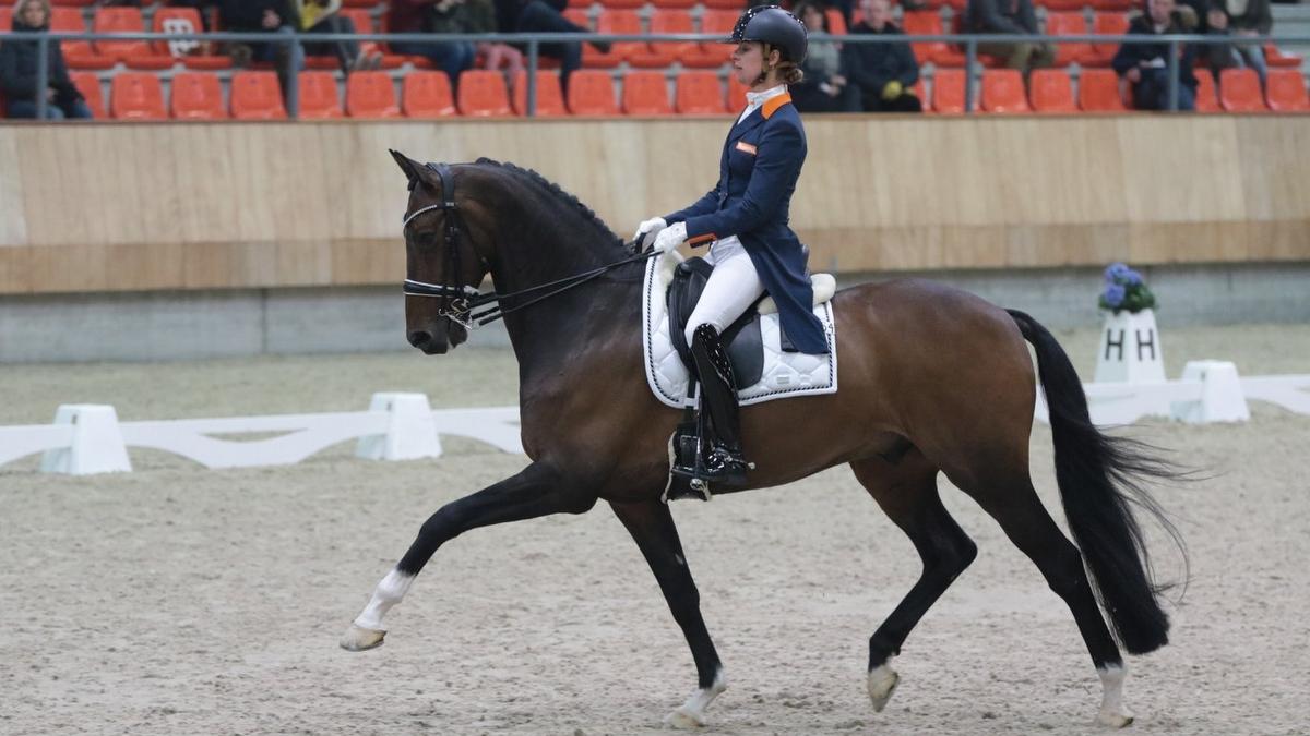 Adelinde Cornelissen werd met Zephyr tweede in de zware tour.
