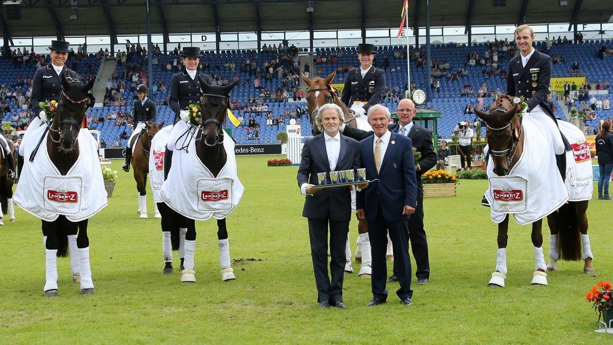 Duitse dressuurploeg wint zonder echte concurrentie landenwedstrijd in Aken