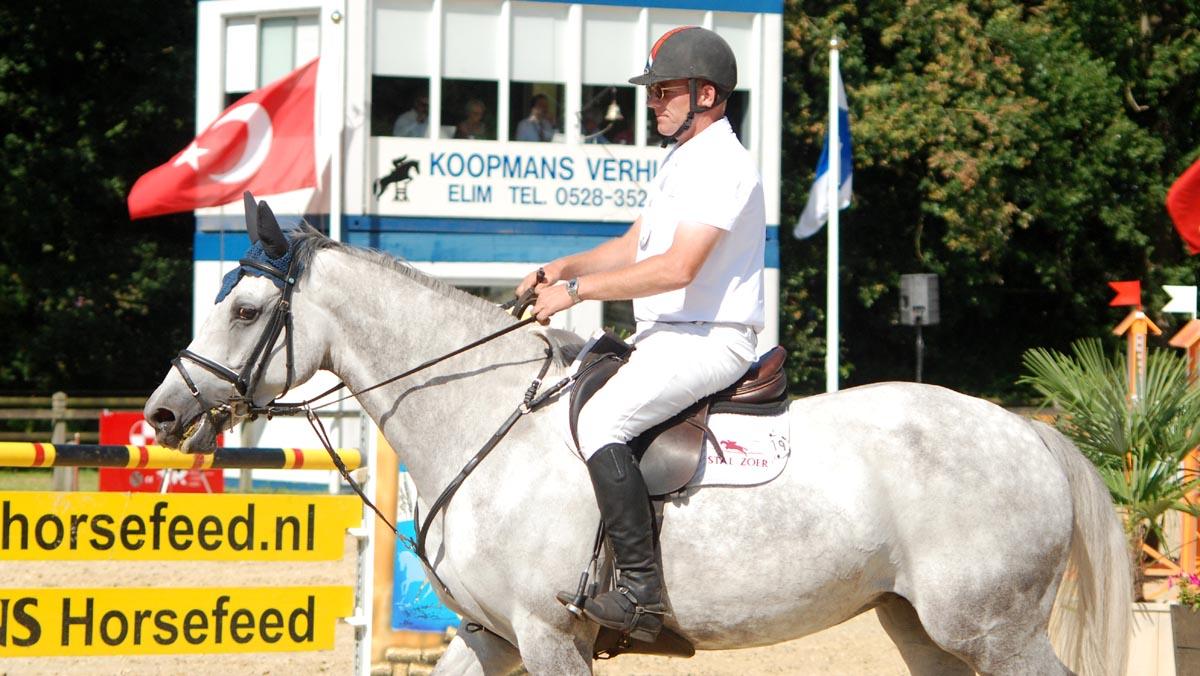 CH De Wolden: Albert Zoer wint met Barbarella finale jonge springpaarden
