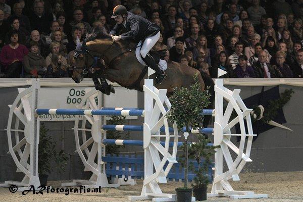Albert Zoer wint zware Grote Prijs Veendam