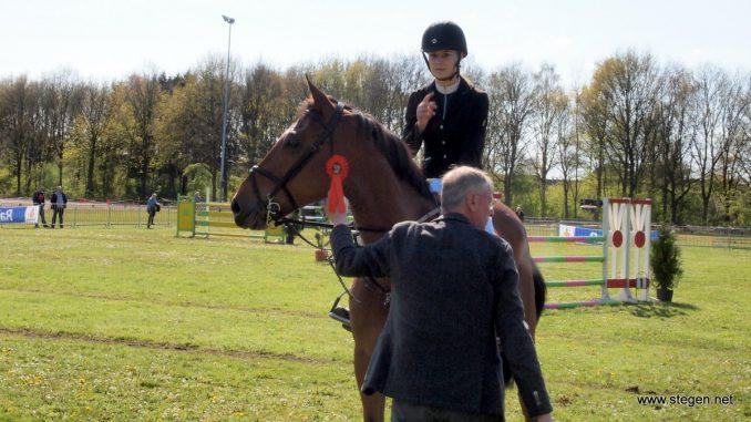 Alice Jakobs won met Lehar in de klasse M.