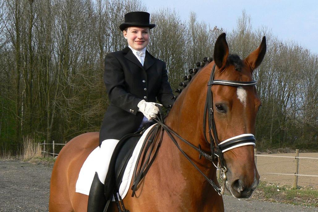 Annemarie Tiktak wint dressuur Winschoten