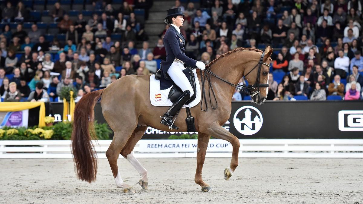 Beatriz Ferrer Salat won met Delgado de wereldbeker in Stuttgart. foto: FEI   Karl-Heinz Frieler