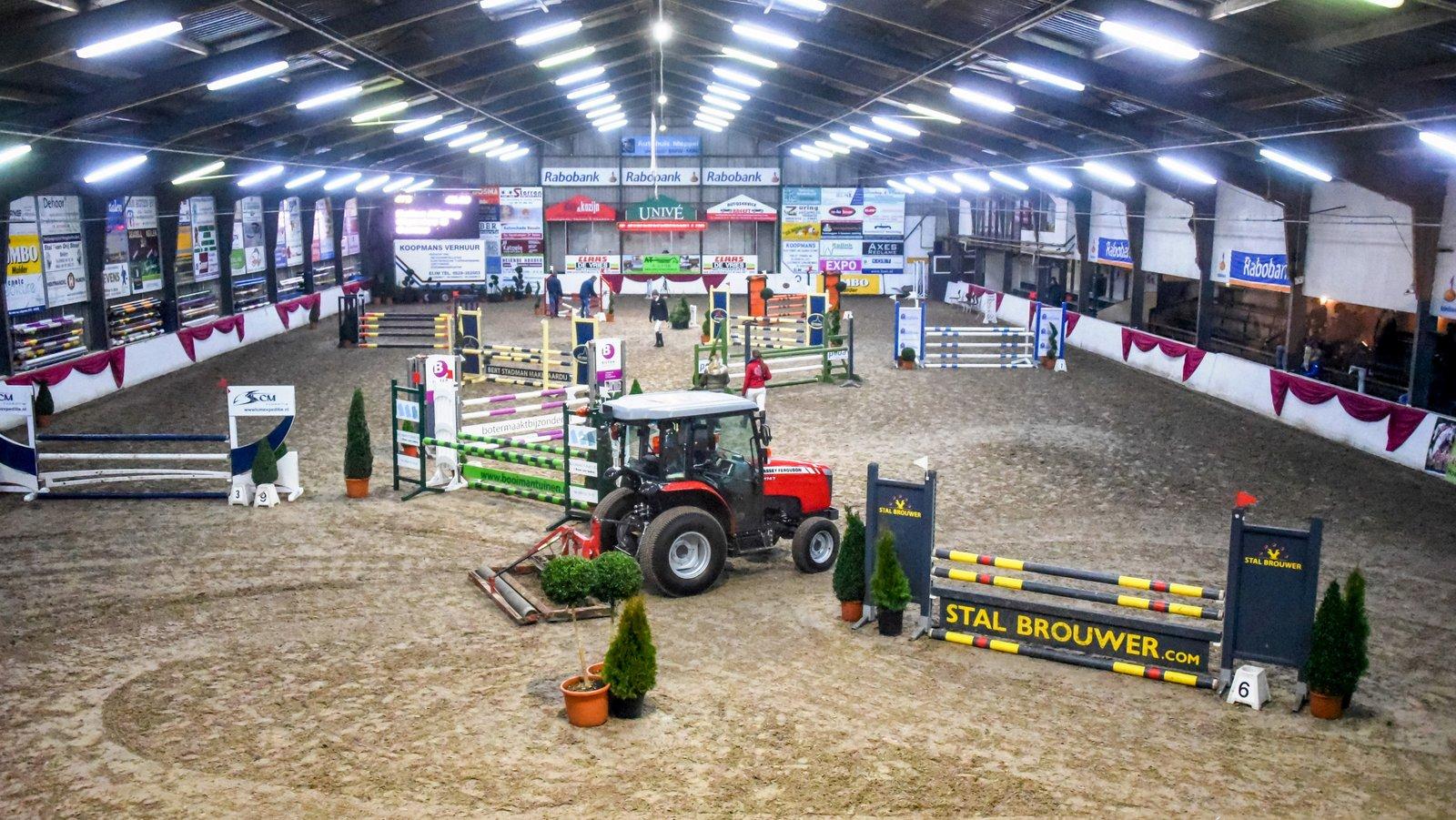 Beilen Stroomruiters. De hoofdpiste van de manege van de Stroomruiters, de locatie van Indoor Hartje Drenthe. foto: Henk Lomulder