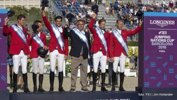 De winnende Belgen Jos Verlooy, Wilm Vermeir, Nicola Philippaerts, Chef d'Equipe Peter Weinberg, Pieter Devos en Niels Bruynseels.