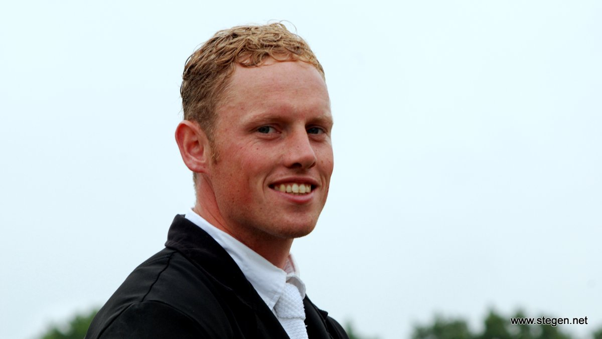 Bert-Jan Zuidema won met Devlin de 1.40-rubriek op het CH Dalerveen.