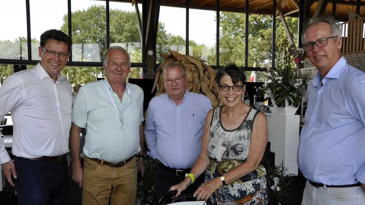 Drentse commissaris van de Koning Jetta Kleinsma bezoekt CH De Wolden