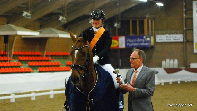 Britt Muis werd met Corlando Gronings kampioen in de Z2.