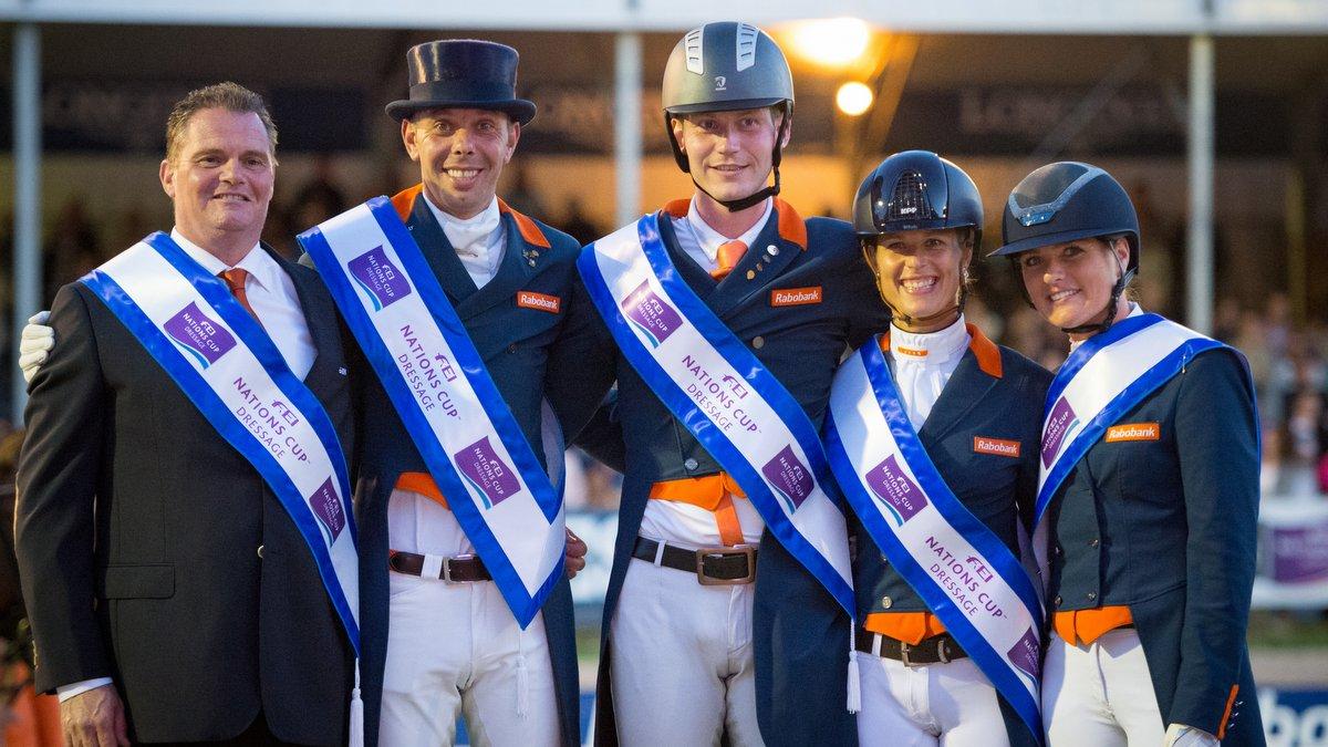 Nederlands dressuurteam wint landenwedstrijd op CHIO Rotterdam