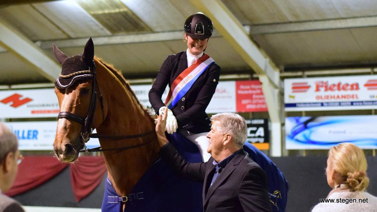 Cecile Smit Drents kampioen dressuur met zelf opgeleide reus Edmond