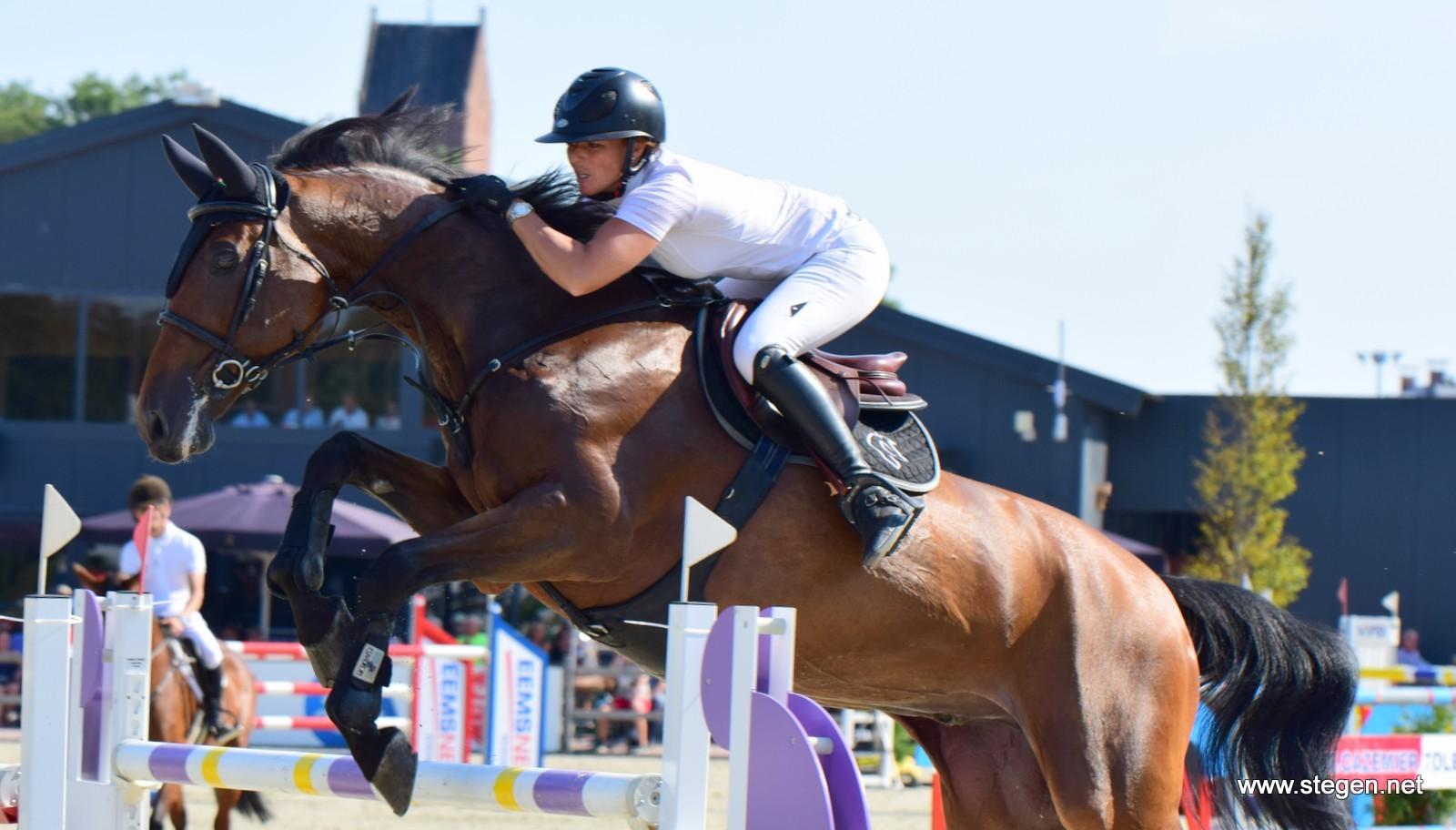 CSI Exloo: Chantal Regter wint 1.45 met Quilando
