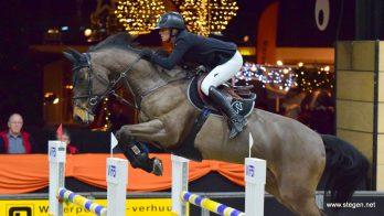 Chantal Regter zegeviert in Grote Prijs Indoor Salland