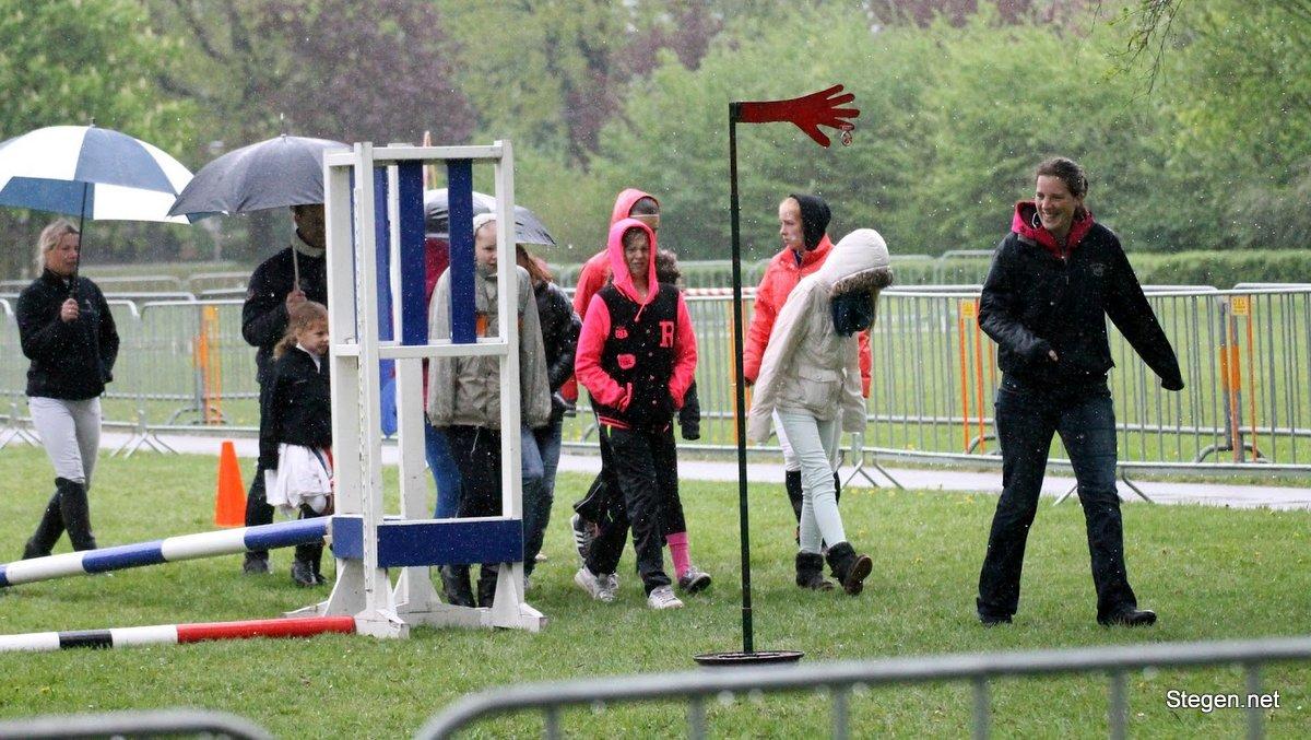 Overvloedige regenval leidt tot afgelastingen van concoursen