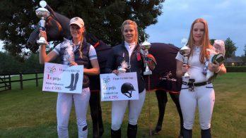 De winnaars bij de paarden.