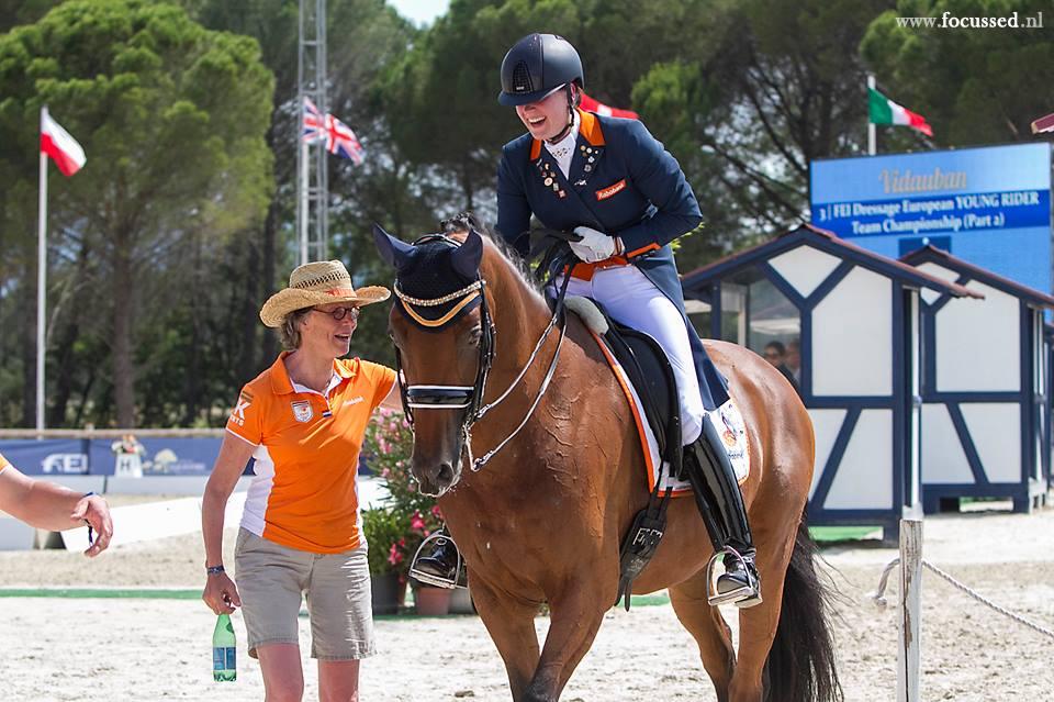 Dana van Lierop is zichtbaar blij met haar proef op Equestricons Walkuere.
