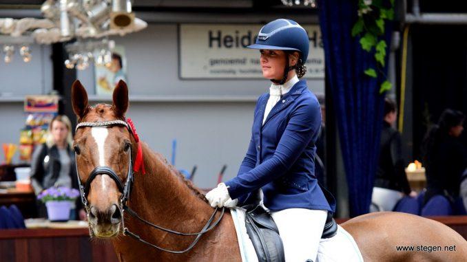 Daniëlle Heijkoop werd met Daula Li tweede in de ZZ-zwaar tijdens Indoor Tolbert.