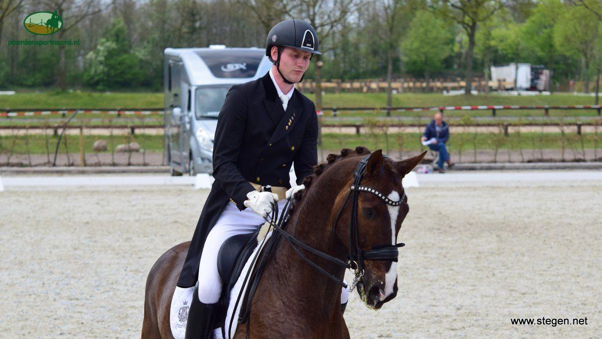 Diederik van Silfhout was met Four Seasons de beste Nederlander op de eerste dag van het EK-dressuur in Gothenburg.