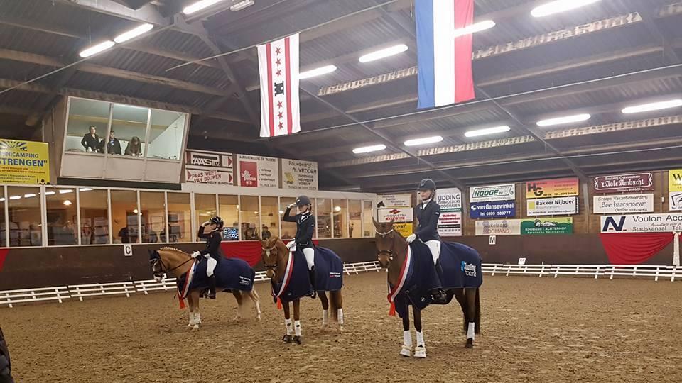 Daimy Havers met Burghoeve's Kenzo Drents kampioen pony's