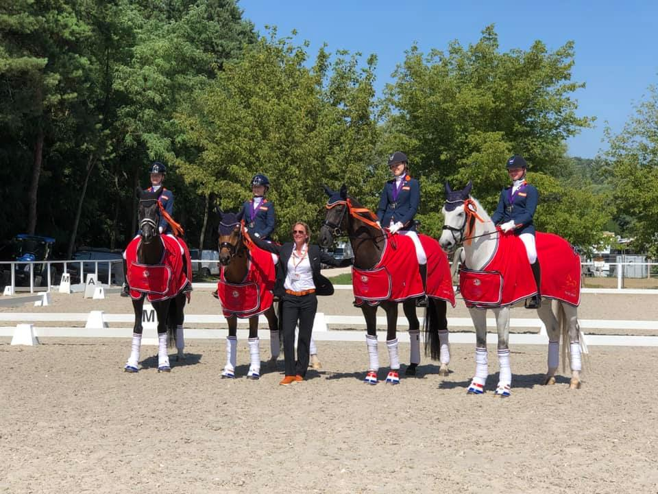 Nederlandse jeugdteams pakken zilver en brons op EK dressuur