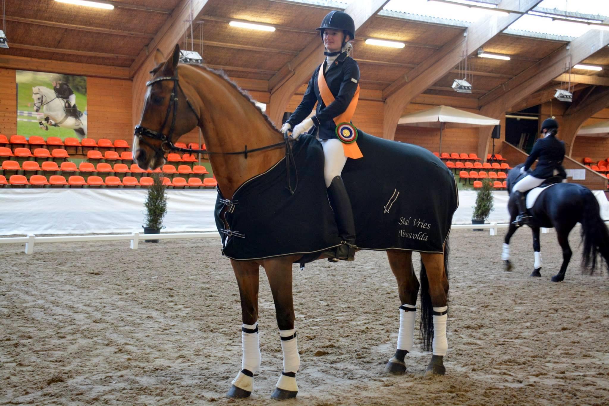 Elvi Smits won met Natal de M2. foto: KNHS Groningen