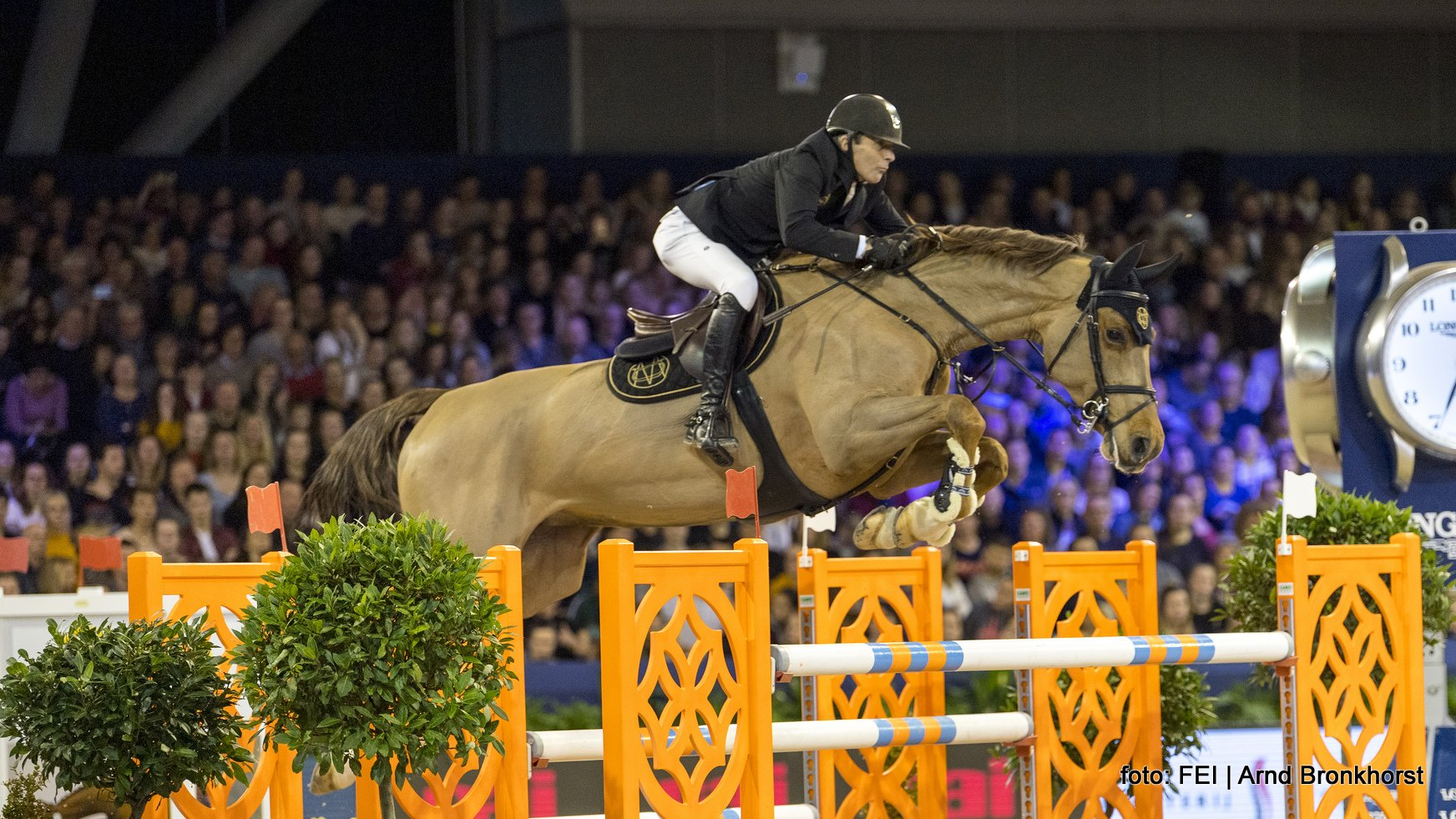Eric van der Vleuten (55) verrassend zevende op Jumping Amsterdam