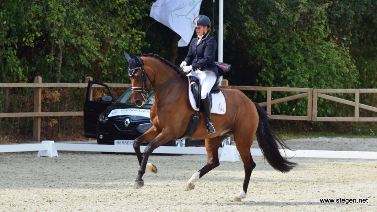 Floor Vos werd Z1-kampioen van Drenthe met Happy-Feet.
