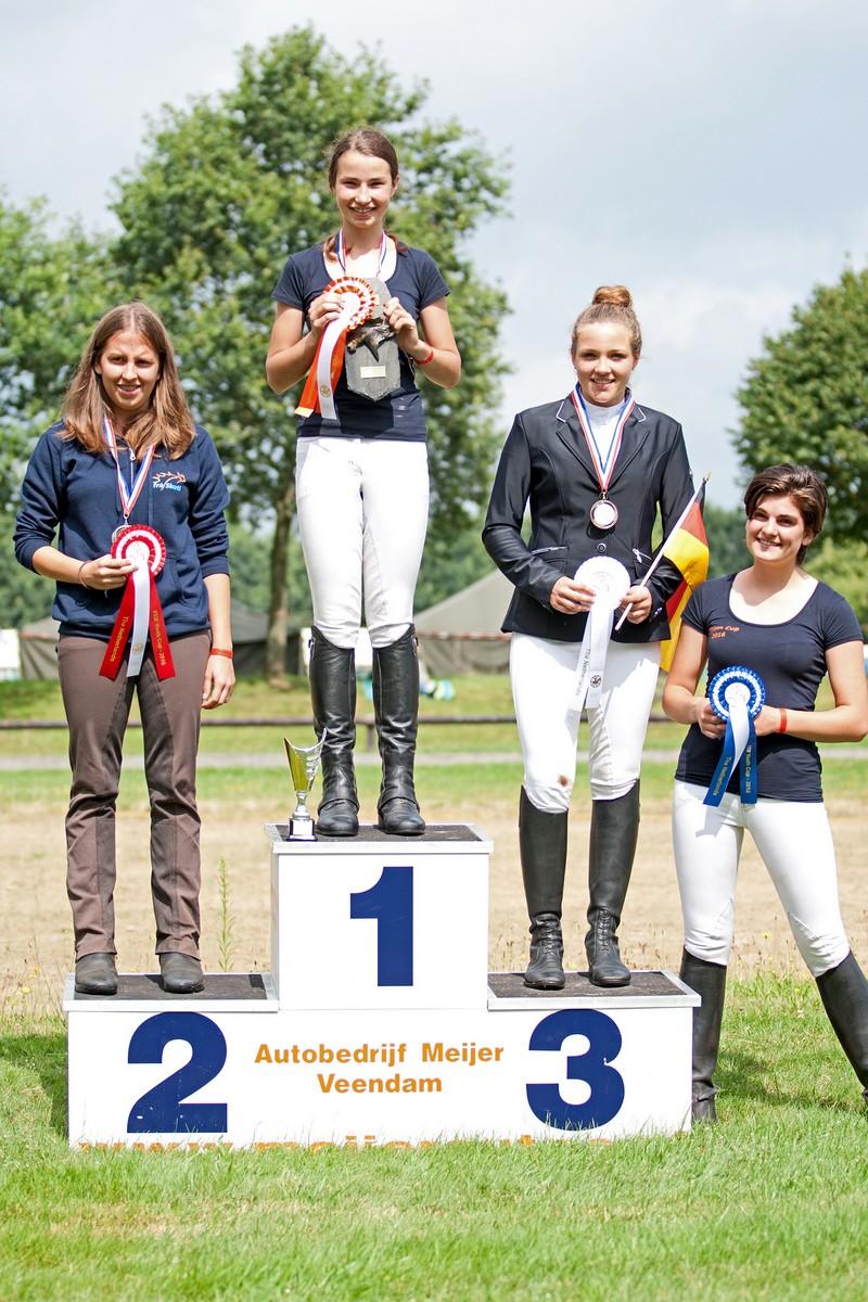 Lieke van Horne behaalde goud bij de show aan de hand. foto: Krijn Buijtelaar