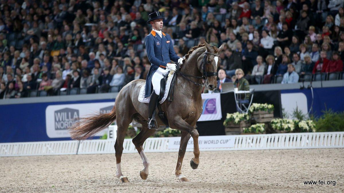 Hans Peter Minderhoud won met Glock´s Flirt de wereldbeker tijdens Indoor Brabant. Foto: FEI | Roland Thunholm
