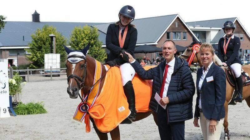 Friese ponyruiters grijpen titels op Hippiade in Ermelo
