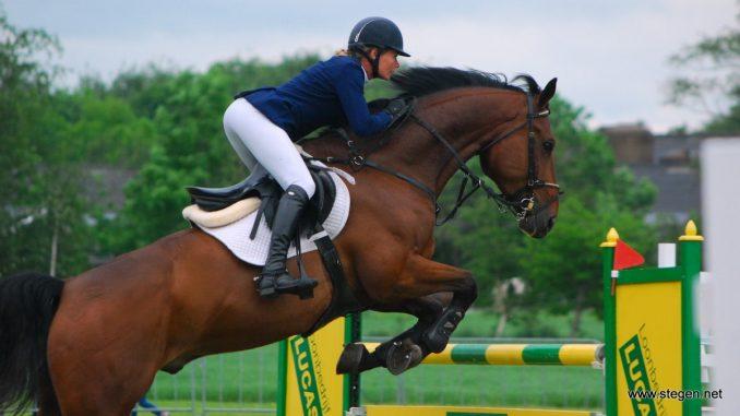 Hester Klompmaker won op het CH Marum de ZZ-rubriek met Apple.