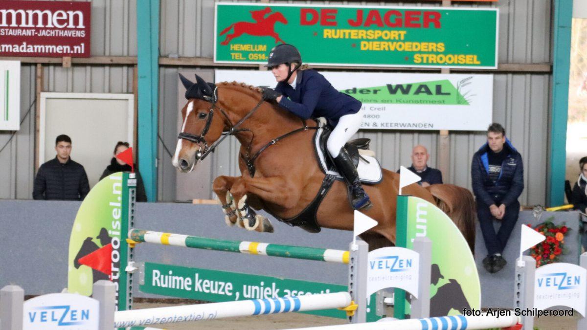 Hester Klompmaker en Guessina op weg naar de Friese titel in het ZZ.