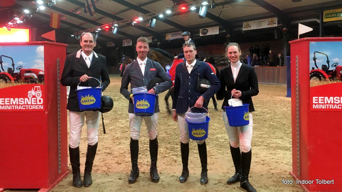 Een aantal oud-winnaars van Indoor Tolbert, zoals Jan Dolfing en Jur Vrieling.
