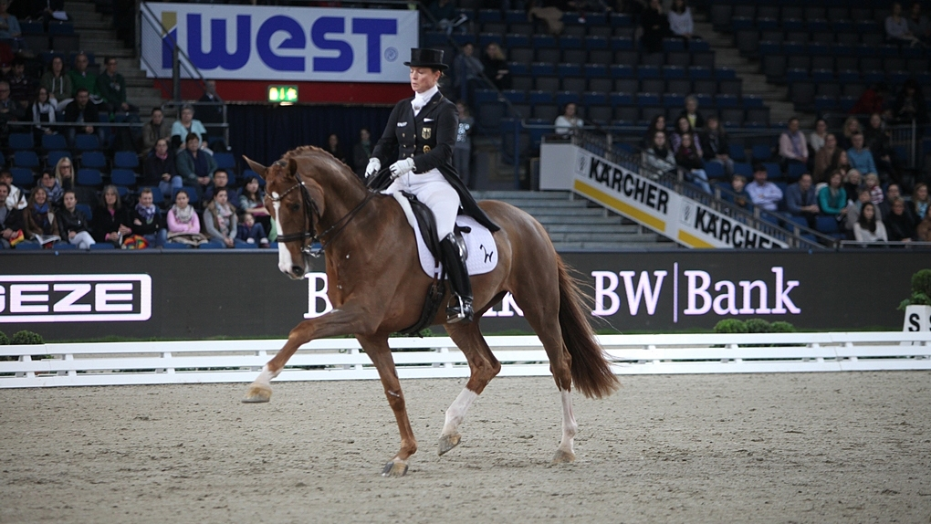 Isabell Werth met Bella Rose aan kop in Grand Prix Stuttgart