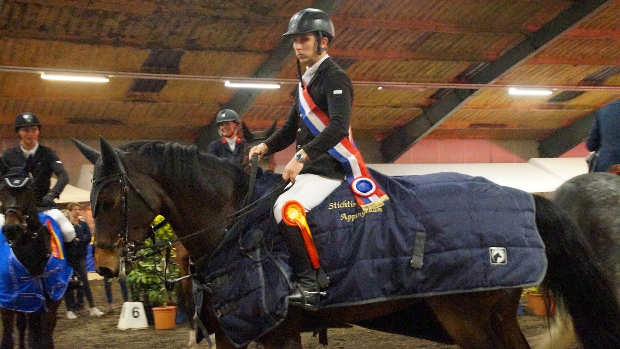 James Robert Billington met Celena VDL aan kop op Hippos Concours Appingedam