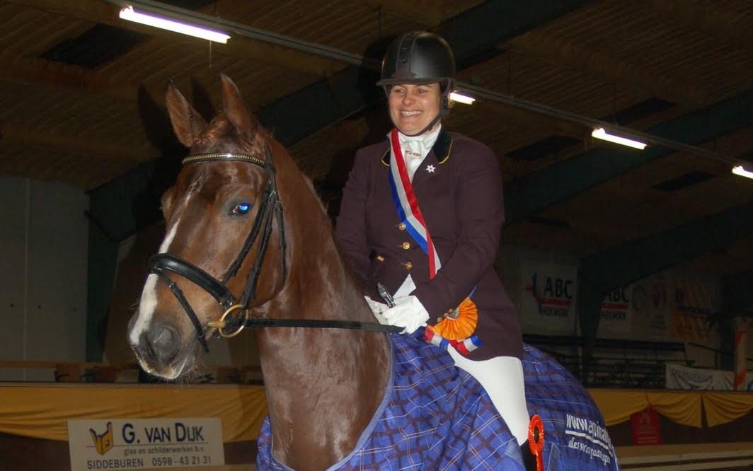 Jarmilla Peterson met Woody aan kop in Vlagtwedde