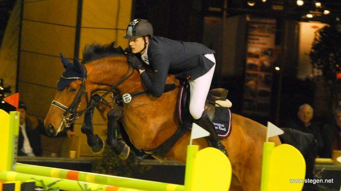 Jasper Kools en Chatto wonnen donderdagavond het 1.40 bij Indoor Groningen. foto: Steven Stegen