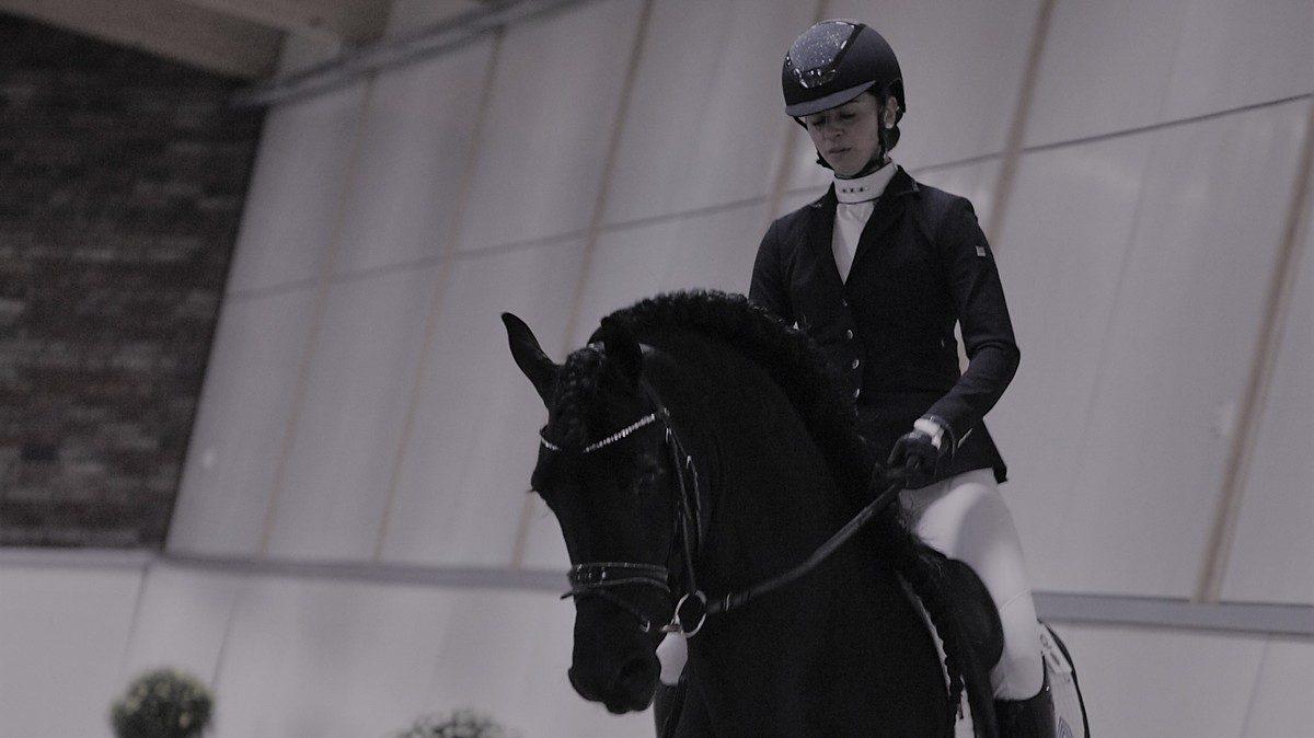 EK Friese dressuurpaard. Judith Pietersen pakte de overwinning bij de zesjarigen met Limited Edition.