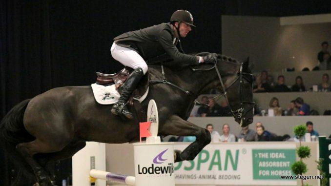Jur Vrieling won tijdens Jumping Amsterdam met Glasgow v/h Merelsnest de 1.50 op vrijdagavond.