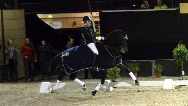 Katja Renken de beste in dressuurfinale Indoor Groningen