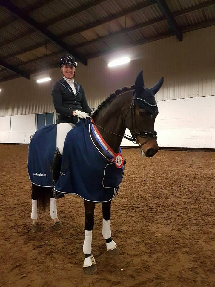 Kenna Bakker werd met Ginfonia Z2-kampioen van Friesland.