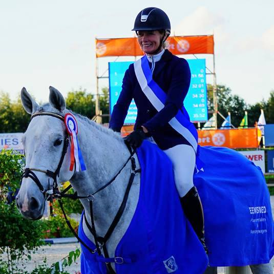 Hester Klompmaker won met Djumpsina SFN de Z/ZZ-finale.
