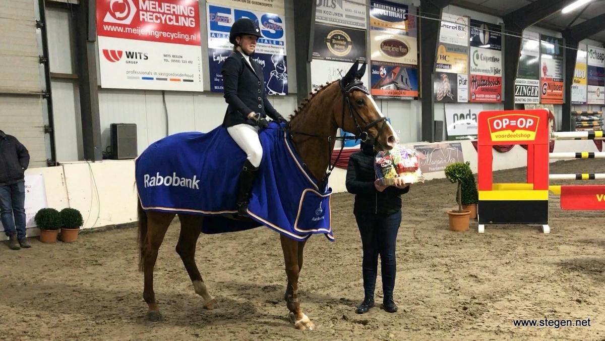 Laura Slager bij Indoor Hartje Drenthe naar eerste zege in Grote Prijs