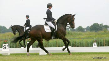 CH Gorredijk. Laura Zwart pakte met Eros de overwinning in het ZZ-zwaar.