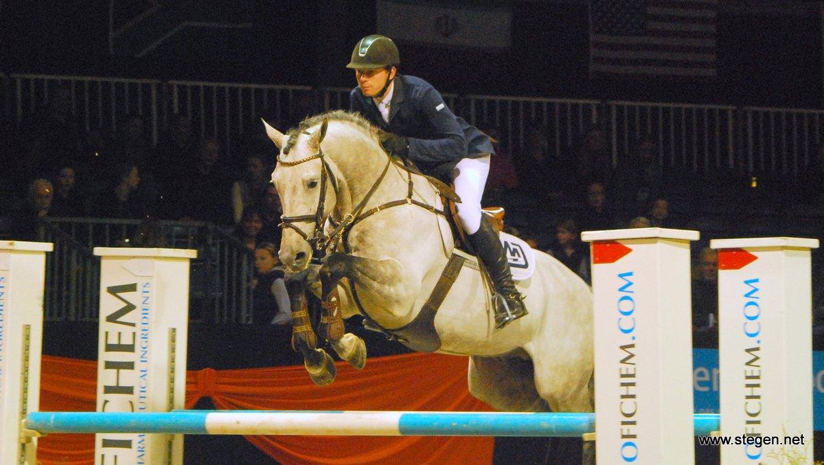 Lennard de Boer won met Durango VDL de Grote Prijs van Paard Hardenberg.