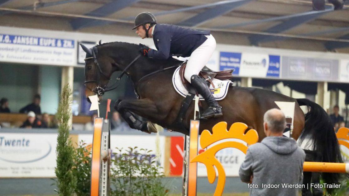 Lennard de Boer met Zento tijdens Indoor Wierden.
