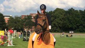 Linda Kouwenhoven met Superhorse Easy Gronings kampioen ZZ-licht