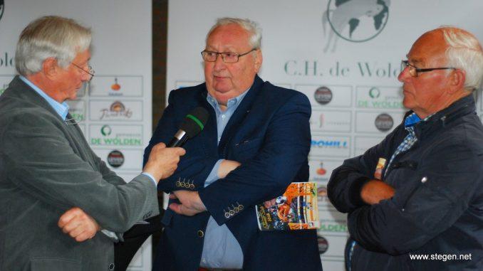 Perschef Fred Lubbers in gesprek met Jan Schep en Wiepke van de Lageweg over De Wolden Summer Sale.