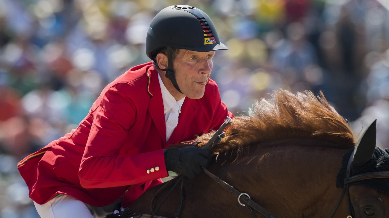 Ludger Beerbaum tijdens de Olympische spelen met Casello. foto: FEI | Richard Juilliart