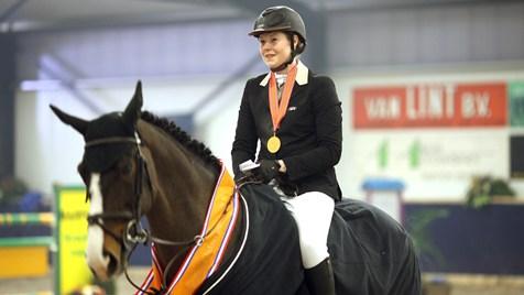 Maaike Koopmans met Soraya overtuigend KNHS-kampioen in ZZ-klasse